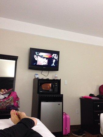 Baymont Inn & Suites Galveston : Tv e relax