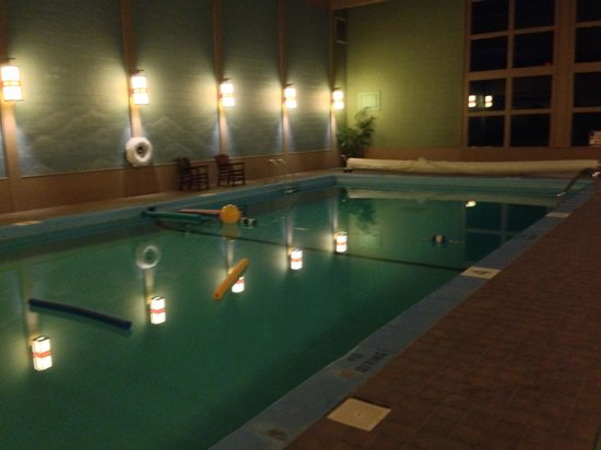 Historic Summit Inn: Warm, inviting swimming pool.