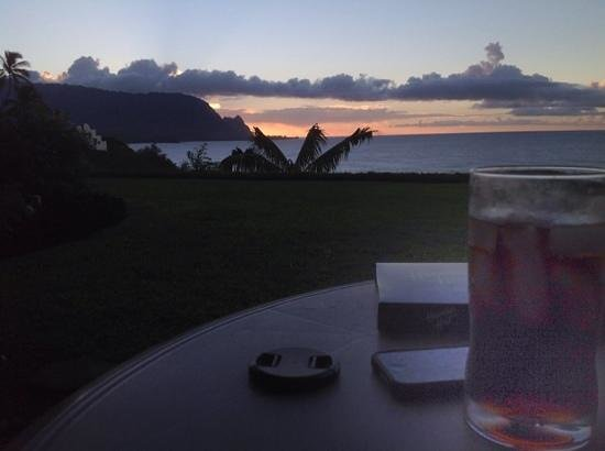Castle at Princeville : sunset from the condo's attrium