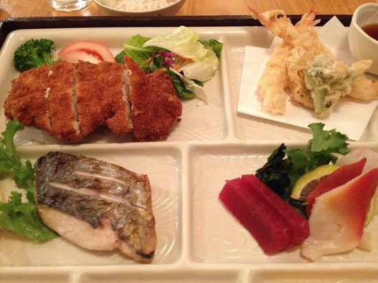 NADA Sushi Restaurant INC : Dinner box - tonkatsu