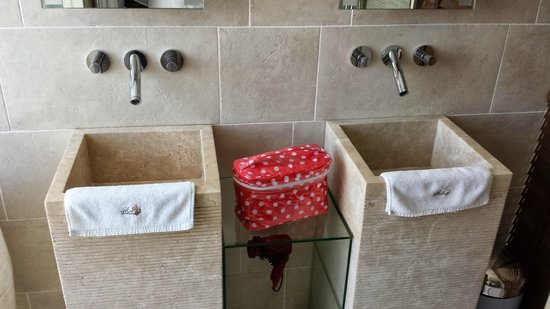 Le Dortoir : Bathroom Sinks (shower is behind and toilet is to the right)