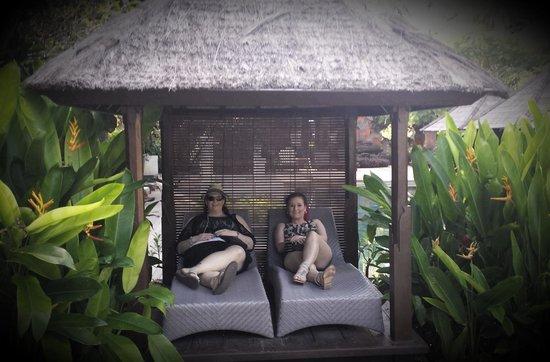 Bali Garden Beach Resort: Day bed