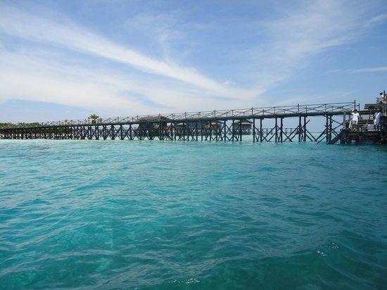 Pom Pom Island Resort & Spa: view approaching the jetty - longest in Asia?
