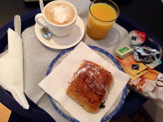 Vatican City Guest House: Breakfast