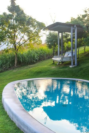 Sala Khaoyai: Private pool and swing