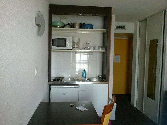 Adagio Access Toulouse Jolimont: kitchenette