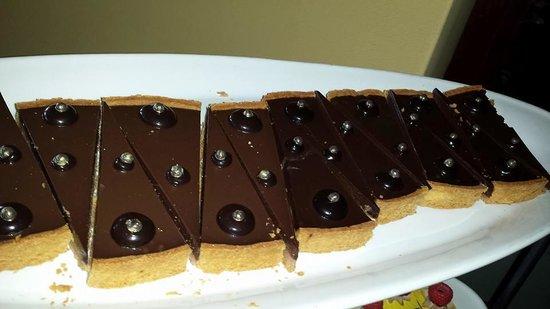 Motif Restaurant at St. Regis: Caramel chocolate tart