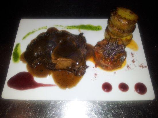 Zebra Steak & Grill : ..