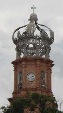 La Iglesia de Nuestra Senora de Guadalupe: Corona