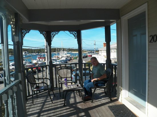 The Dockside Inn : Our balcony area