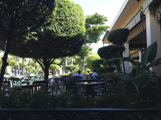 ClubHotel Riu Bachata: outside lobby