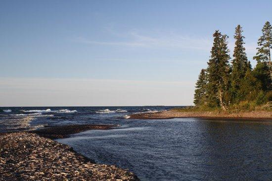 Naniboujou Lodge: the Brule river flows into the lake