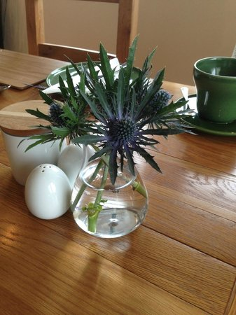 Pennyland House B&B: Beautiful breakfast table