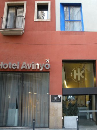 Catalonia Avinyo: Entry to hotel