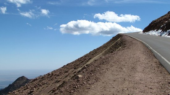Pikes Peak - America's Mountain: Just remember - there aren't guardrails everywhere!