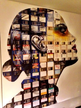 Hotel Zetta San Francisco: The art work at this property is amazing