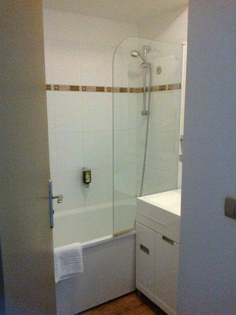 Appart'City Confort Montpellier Ovalie: salle de bain