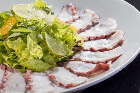 Sushi Hokkai: Salada de Carpaccio de Polvo