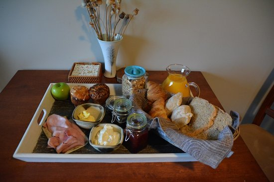 Precipice Creek Station Bed & Breakfast: Mouth-watering breakfast of local produce!
