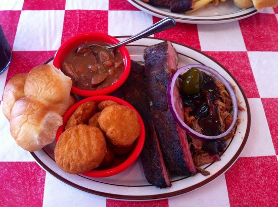 Smokin Joes BBQ : Ribs and Pulled Pork!!
