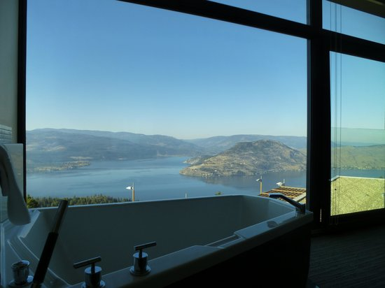 Sparkling Hill Resort: View from the tub