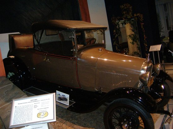 Antique Automobile Club of America Museum : Old Ford