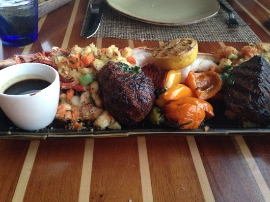 Schooners Coastal Kitchen & Bar : Filet Mignon and Lobster for two!
