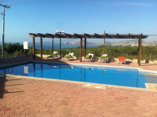 Sunrock Hotel & Residences: Imagen de la alberca, excelente y muy limpia