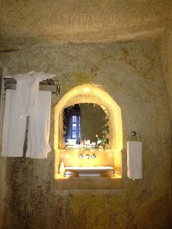 Asia Minor Hotel: Bathroom