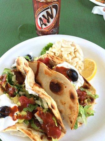 Da Fish House: Fish (Ahi) tacos and macaroni salad