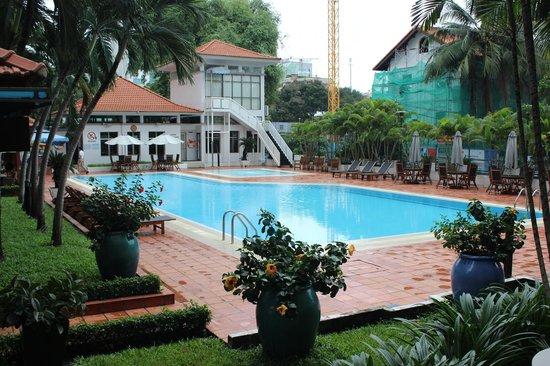 Somerset Ho Chi Minh City : Pool area