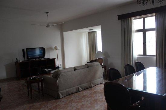 Somerset Ho Chi Minh City : Living room - 3 bedroom apartment