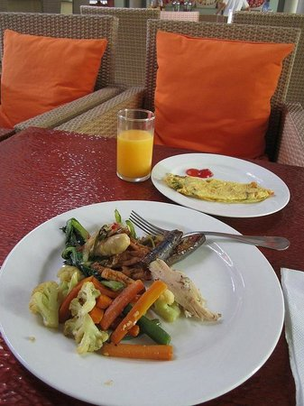 HARRIS Hotel Tuban : You can have fresh omlette if you wish