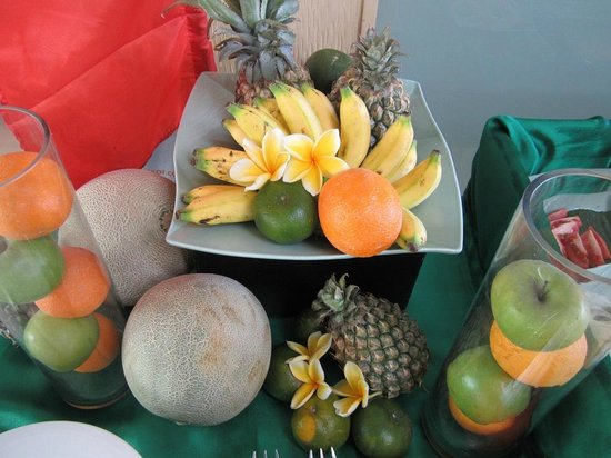 HARRIS Hotel Tuban : It is not decoration, you actually can eat them ( Breakfast Buffet)