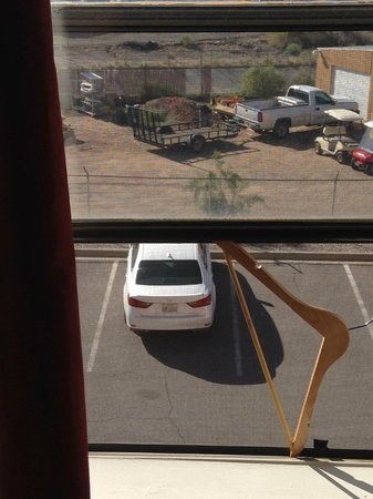 Pan American Inn & Suites: Screened window won't stay open without help