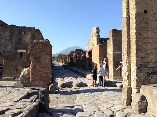 Walks of Italy: Pompeii