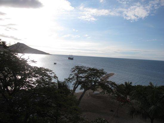 Volivoli Beach Resort Fiji: View from covered porch