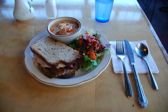 Blue Scorcher Bakery Cafe: sandwich with soup