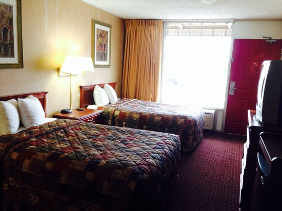 Americas Best Value Inn - Tulsa West (I-44) : Double bed room