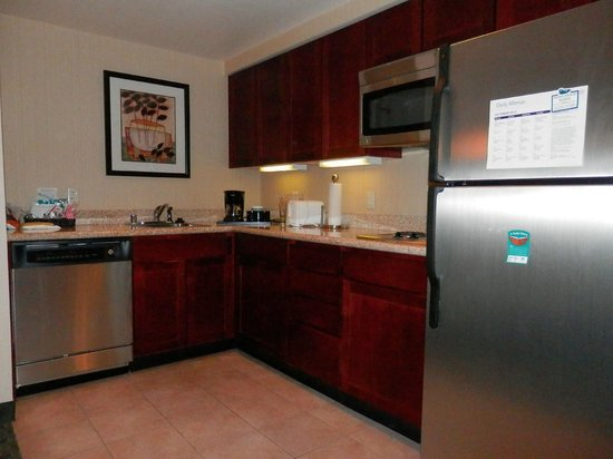 Homewood Suites by Hilton San Diego Airport - Liberty Station : KITCHEN