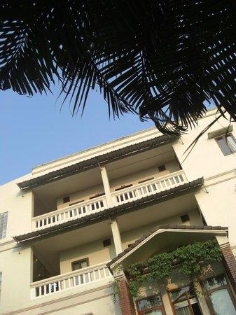 Mali Namphu Guest House: 中庭に面した客室