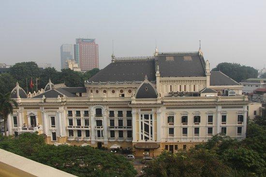 Hilton Hanoi Opera : Opera house view from balcony