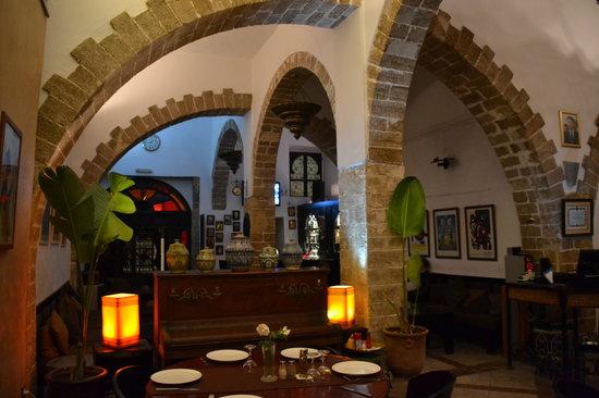 El Minzah: Salle restaurant.