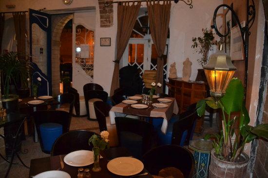 El Minzah: Salle restaurant..