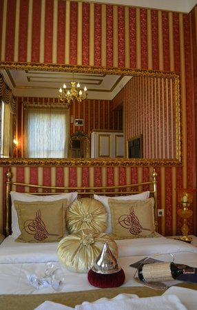 Sultan Tughra Hotel: King bed