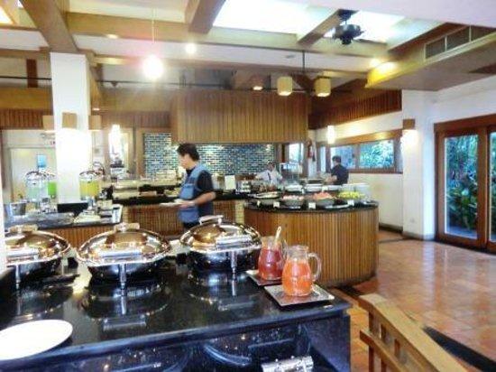 Woodlands Hotel & Resort: 清潔な場所でのお食事ができます