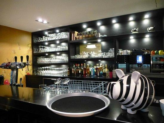 bar picture of hotel la chambre d 39 amis barvaux tripadvisor. Black Bedroom Furniture Sets. Home Design Ideas