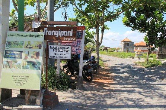 Tanah Semujan Ubud: Entrance on Jalan Bisma