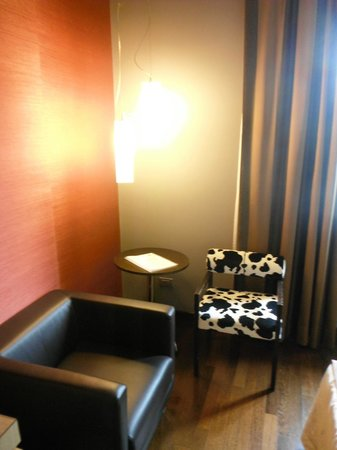 Inverigo Hotel : Piccolo angolo salottino