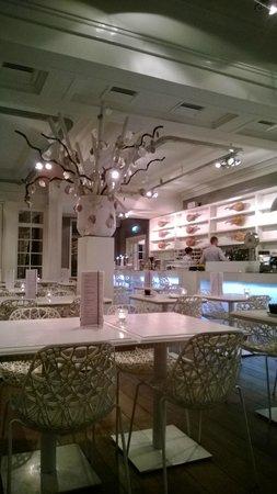 Manna: dining room